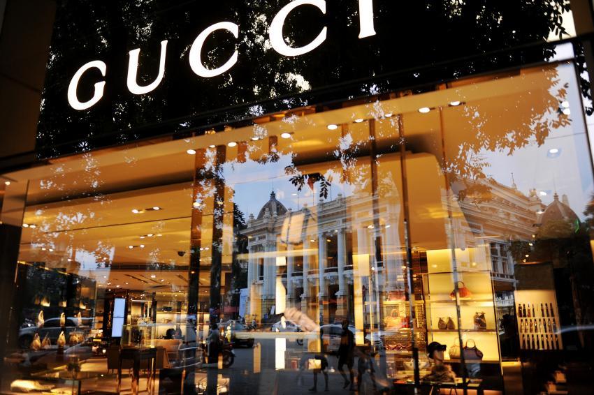 Gamme complète de boutique gucci en france en stock France en ligne. En tant  que partenaire officiel de Nike, nous ne vendons que des chaussures  originales ... 631251c617c